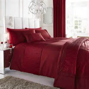 burgundy wine colour stylish textured faux silk duvet