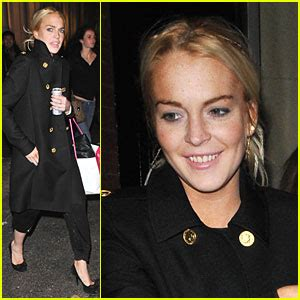 Lindsay Lohan Likes To A Lot by Lindsay Lohan Likes To Intermix A Lot Lindsay Lohan