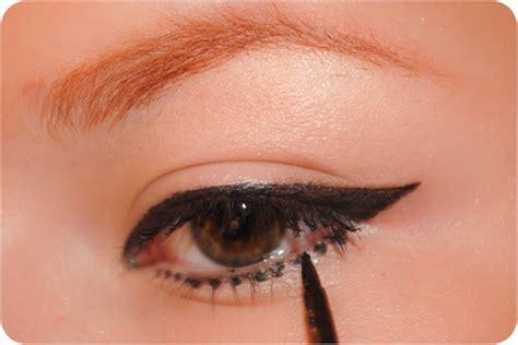 eyeliner tutorial dots le fab traveauty the cat eyeliner tutorial