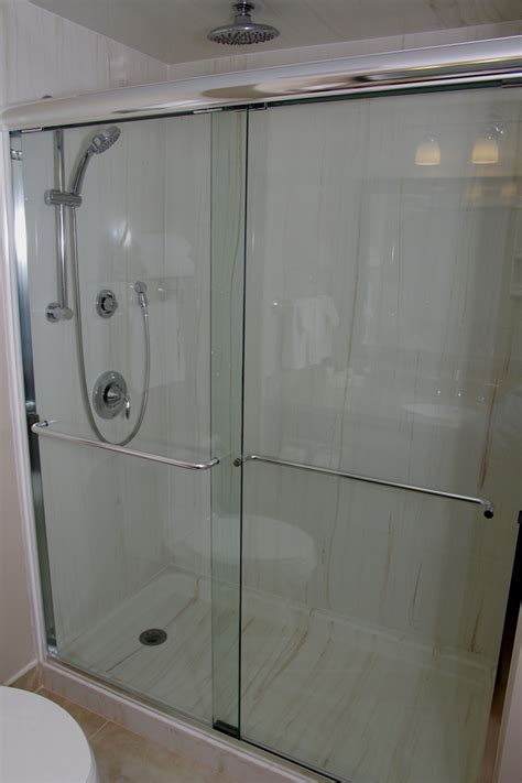 Bathroom Showers Hamilton 2 Beds Deluxe Shower Visitors Inn Hotel In