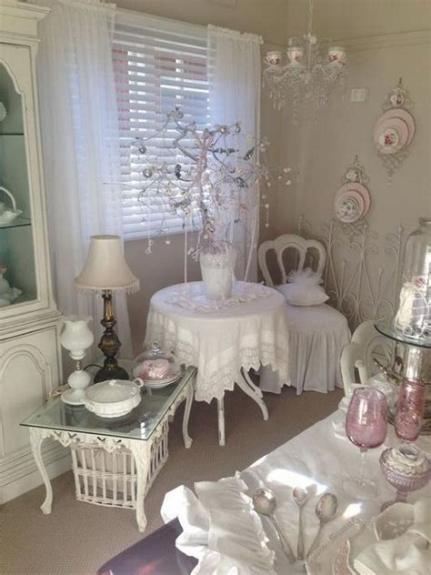 Kronleuchter Shabby Chic by 25 Best Ideas About Shabby Chic Sofa On