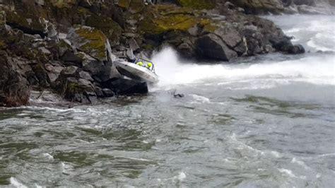 speed boat crash shocking moment speed boat crashes on rocks youtube
