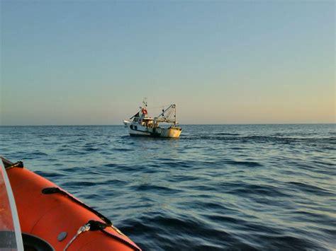 capitaneria di porto manfredonia guardia costiera di manfredonia controlla pescherecci