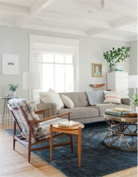Emily Henderson Living Room by Curbly Living Room Emily Henderson The Rug Ceiling Table Sofa All Of It Culture Scribe