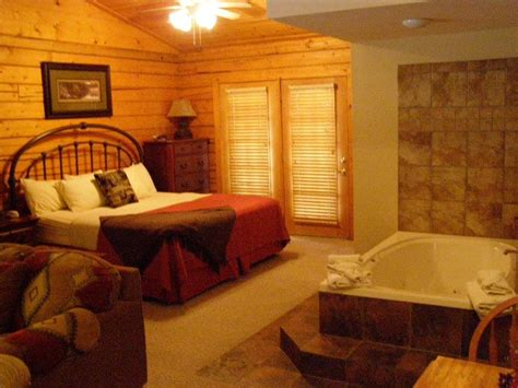 1 bedroom cabin cpoa com unwind in a one bedroom branson cabin thousandhills com