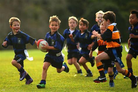 imagenes de niños jugando rugby world rugby