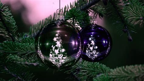 beautiful christmas tree ornaments wallpaper