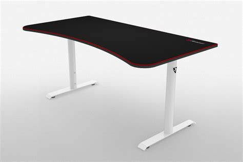arozzi arena gaming desk arozzi arena gaming desk has a mousepad surface