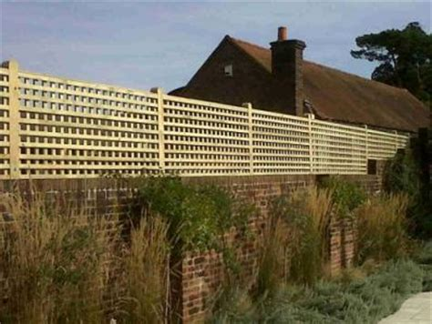 Trellis Fencing On Top Of Wall Garden Trellis To Offer Privacy For Walls Or A Fence Lo