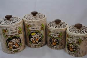 Owl Kitchen Canisters by Adorable Treasure Craft Owl Kitchen Canisters Set Of 4