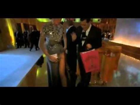 tangas shows free upskirt no panties youtube