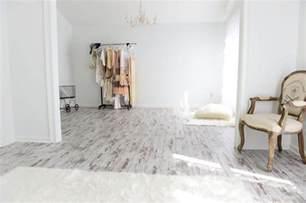 karen roberts white washed oak laminate flooring is