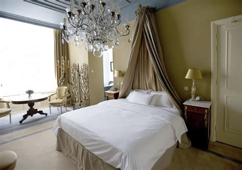 bed curtains 44 stylish master bedrooms with carpet