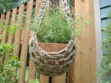 Make Your Own Macrame Plant Hanger - create your own crocheted plant hanger starting chain