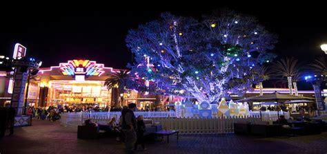 disney magical holiday lights at irvine spectrum center