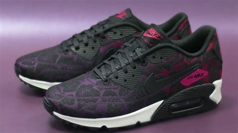 Airmax Flowers flowers bloom on the nike air max 90 sole collector