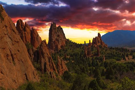 Garden Of The Gods Sunset Move To Colorado Springs The Best Of Colorado Springs