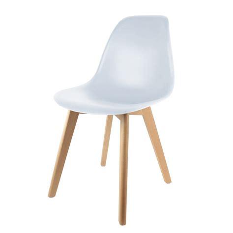 chaise coque blanche chaise scandinave coque blanche les douces nuits de ma 233