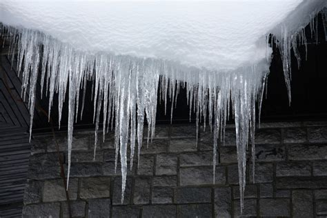 how to deal with icicles hanging of your eaves