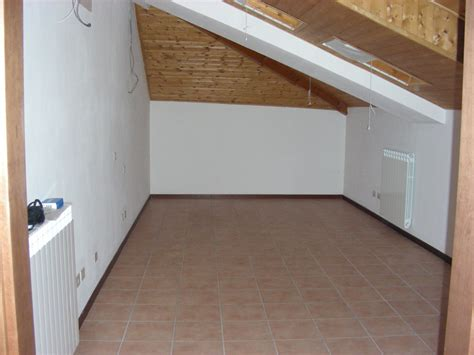 insonorizzare un soffitto insonorizzazione soffitto legno a vista di mansarda 43m2