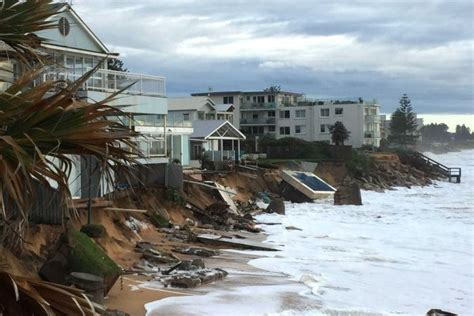 Nsw Weather Bom Predicts Heavy Rain Flash Flooding For Collaroy House