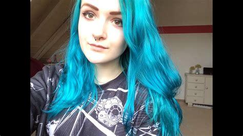 blue manic panic hair dye manic panic vegan hair dye review voodoo blue