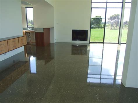 what are the advantages of polished concrete floors in the