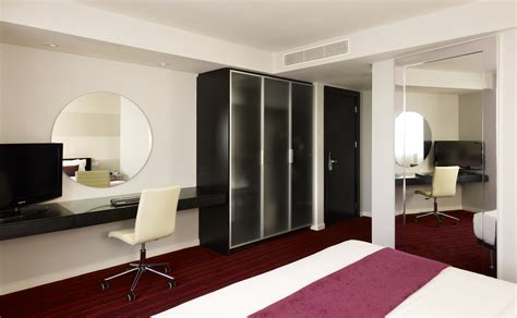pics of room hotel rooms and suites in central leeds park plaza leeds