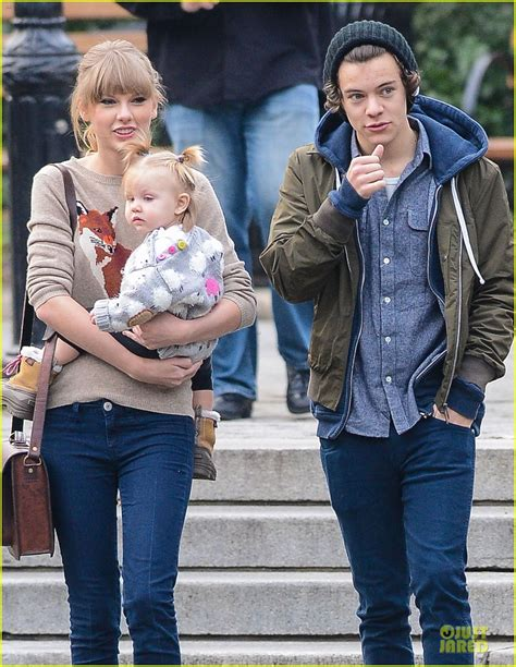 taylor swift es harry styles taylor swift harry styles central park stroll photo