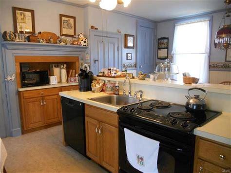 Bethel Kitchen by Homes Often Yestertec Kitchen Works