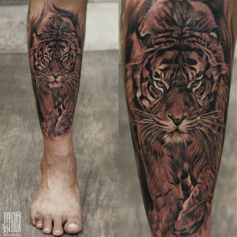 animal tattoo on leg realistic tiger tattoo on leg tiger walking wildanimal