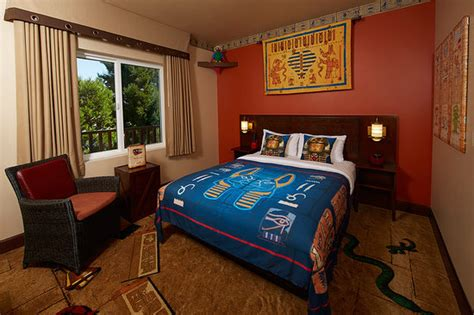 themed hotel rooms california fully themed adventure room picture of legoland