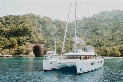 catamaran vs yacht how many hulls yacht vs catamaran the yacht break