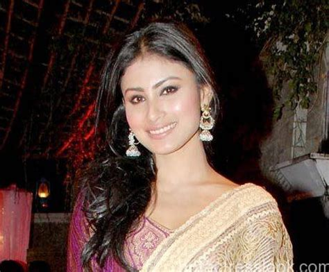 cooch hair mouni roy height weight age husband affairs