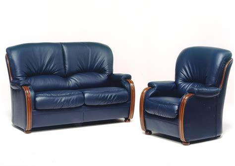 canape cuir bois acheter votre canap 233 fixe 2 places en cuir bleu avec