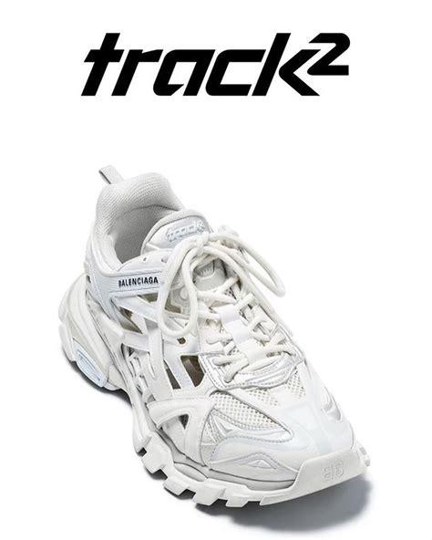 detail keren dari sepatu trainer balenciaga track 2