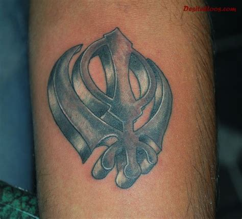 khanda tattoo designs 20 punjabi khanda tattoos