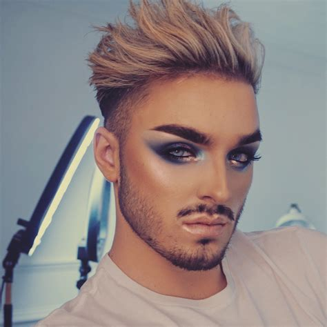 makeup for feminine men why men shouldn t be ashamed to wear makeup the outsiderz