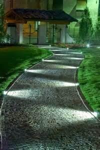 bodeneinbaustrahler garten strahlend mit bodeneinbaustrahlern leuchtet der garten