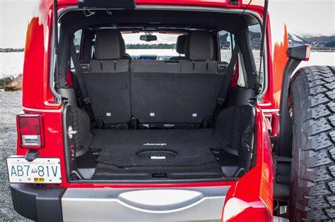 Jeep Cargo Volume Jeep Wrangler Unlimited 2015 Suv Drive