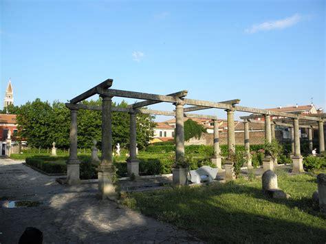 giardini italy file giardini scarpari adria italy jpg wikimedia commons