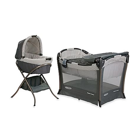 graco bedroom bassinet graco 174 day2night sleep system bassinet playard all in one