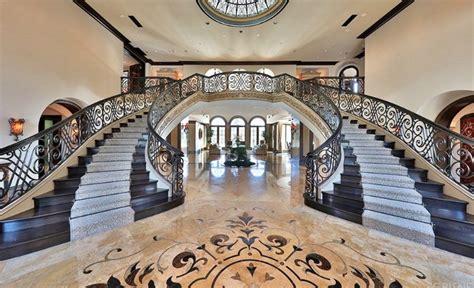 jeffree star buys hidden hills mansion   million