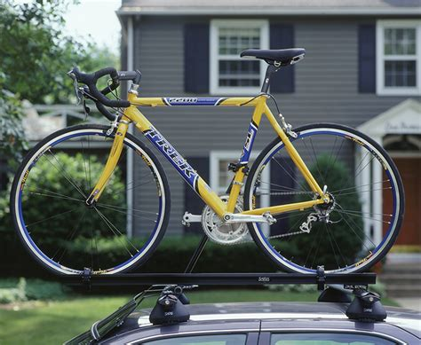 How To Put Bike On Bike Rack by How To Shop For A Bike Rack For Your Car Saris
