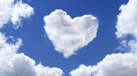 awan name wallpaper heart in the sky amazing shapes of clouds