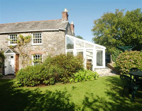cornish cottage holidays kea cottage self catering cottage in rock