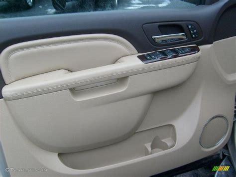 repair voice data communications 2003 dodge intrepid electronic throttle control service manual 2010 gmc yukon remove door panel remove rear door panel 2007 gmc yukon