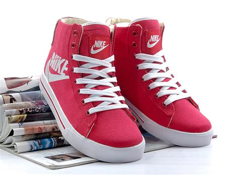 nike high top womens sneakers nike sweet classic hi high top canvas shoes 386198 611