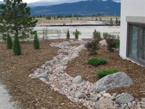 creek bed landscaping ideas creek ideas para el jardin gardening ideas