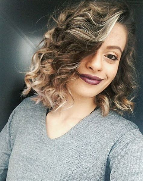 tousled look with an outward wisp for short hair 30 cute messy bob hairstyle ideas 2018 short bob mod